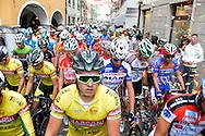 48° COPPA D'ORO GARA PER ALLIEVI,sfilata prima nel centro di Borgo, prima della partenza,Vince BIAGIONI ANDREA CAMPIONE ITALIANO, e il Ds Savoldi Augusto, BORGO VALSUGANA 13 SETTEMBRE 2015 © foto Daniele Mosna