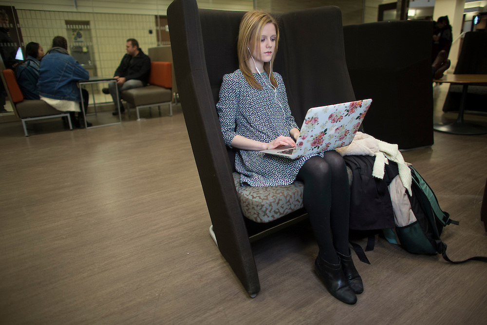 London, Ontario ---2017-01-27--- Western University student Molly Schoo poses for a photo in the University Community Centre in London, Ontario, Friday, January 27, 2017.<br /> GEOFF ROBINS Toronto Star