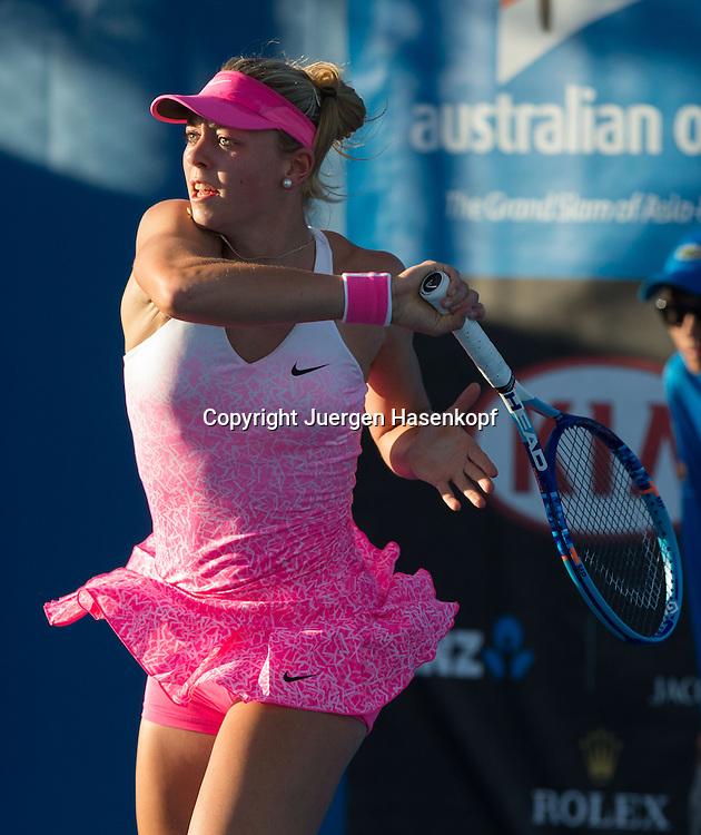 Australian Open 2015, Melbourne Park,ITF Grand Slam Tennis Tournament, Carina Witthoeft (GER),Aktion,Einzelbild,<br /> Halbkoerper,Hochformat