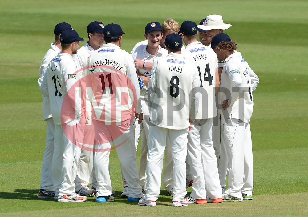 Gareth Roderick of Gloucestershire celebrates with Liam Norwell and team mates after catching Brendan Nash of Kent out after Norwell's bowl - Photo mandatory by-line: Dougie Allward/JMP - Mobile: 07966 386802 - 21/05/2015 - SPORT - Cricket - Bristol - County Ground - Gloucestershire v Kent - LV=County Cricket