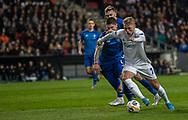 Viktor Fischer (FC København) følges af Denys Popov (Dynamo Kiev) under kampen i UEFA Europa League mellem FC København og Dynamo Kiev den 7. november 2019 i Telia Parken (Foto: Claus Birch).