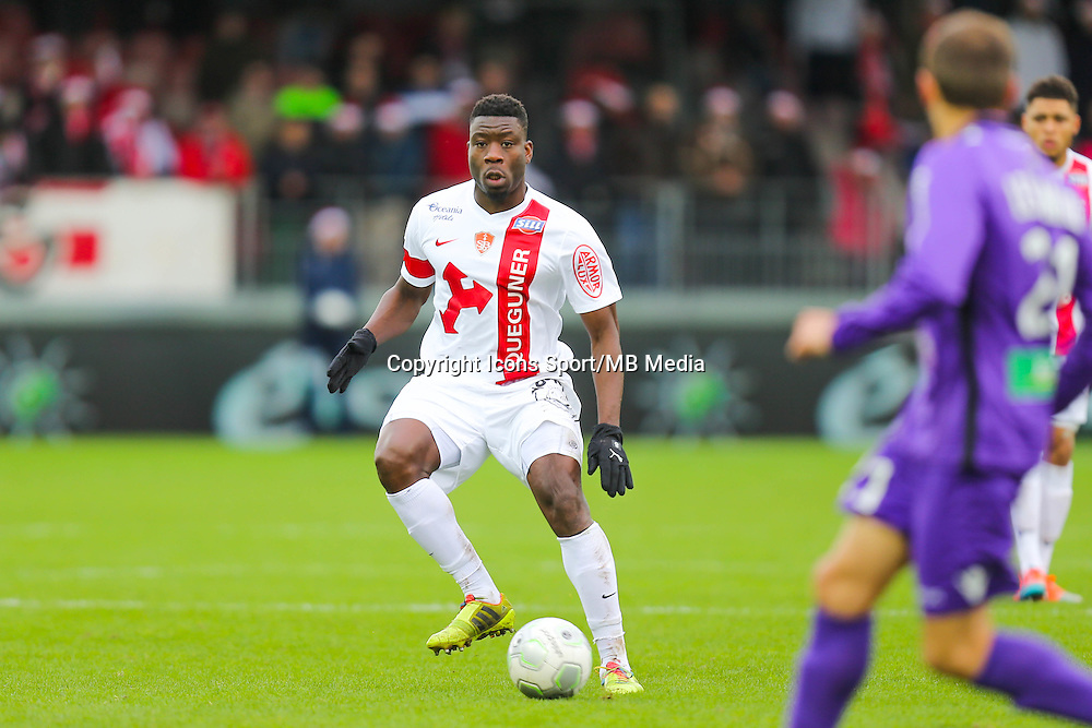 Ismael TRAORE  - 20.12.2014 - Brest / Ajaccio - 18eme journee de Ligue 2 -<br /> Photo : Vincent Michel / Icon Sport