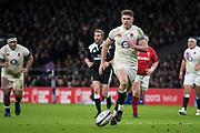 Twickenham, Surrey. UK.  Owen FARRELL, taps the ball forward, during the Six Nations Rugby Match, England vs Wales RFU Stadium, Twickenham. Surrey, England. on Saturday 10.02.18<br /> <br /> <br /> [Mandatory Credit Peter SPURRIER/Intersport Images]