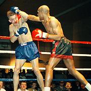 Kickbox boks gala in de Bun Huizen, Berner (rood/zwart) - Zvavhve (blauw)