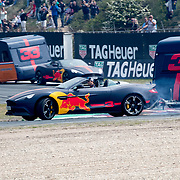NLD/Zandvoort/20180520 - Jumbo Race dagen 2018, Daniel Ricciardo en Max Vertappen met de caravan race