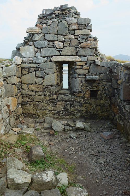 Ruin of 12th century chapel at Toe Head