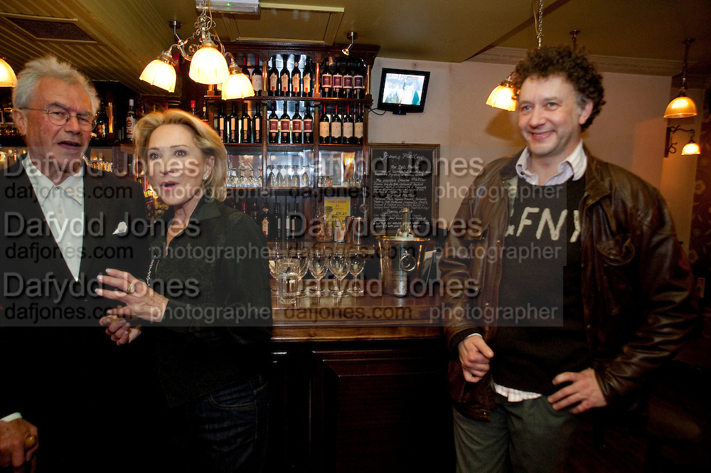 MICHAEL WHITE; FELICITY KENDALL; JASPER BRITTON, party after the press night of 'The Last Cigarette' at  the Trafalgar Studios. Party at Walkers, Craig's Court, Whitehall. London.  28 April 2009