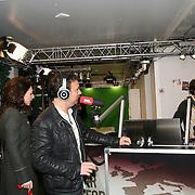 3FM Serious Request 2012 in Enschede van start! Carice van Houten in het glazen huis, met Gerard Ekdom en Chiel Beelen