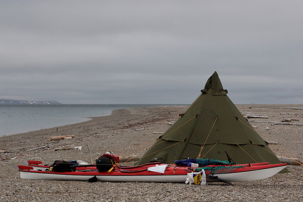 Kayaks: Sibir Expedition from Cobolt Kayas and lavvo: Helsport Finnmark