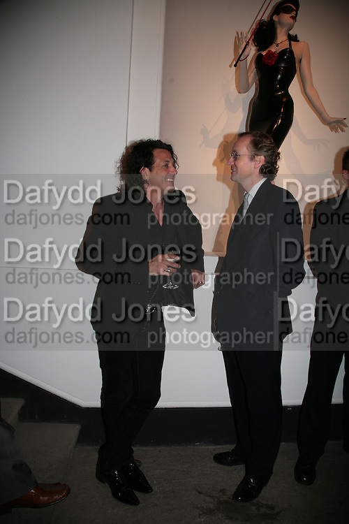 Steven Webster ( ?) and The Earl of Woolton. ' Show Off' Theo Fennell exhibition co-hosted wit Vanity Fair. Royal Academy. Burlington Gdns. London. 27 September 2007. -DO NOT ARCHIVE-© Copyright Photograph by Dafydd Jones. 248 Clapham Rd. London SW9 0PZ. Tel 0207 820 0771. www.dafjones.com.