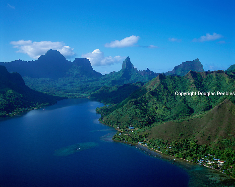 Opunohu Bay, Moorea, French Polynesia<br />