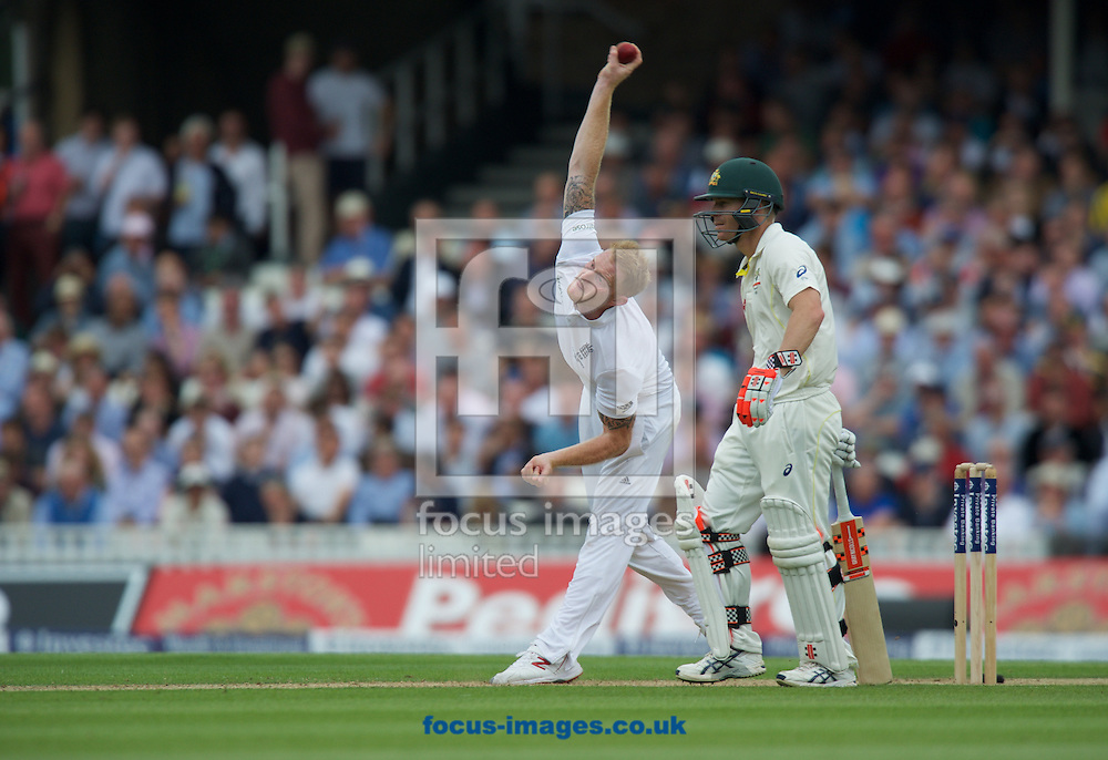 Ben Stokes of England bowling while batsman David Warner of Australia looks on during the 5th Investec Ashes Test Match match at the Kia Oval, London<br /> Picture by Alan Stanford/Focus Images Ltd +44 7915 056117<br /> 20/08/2015