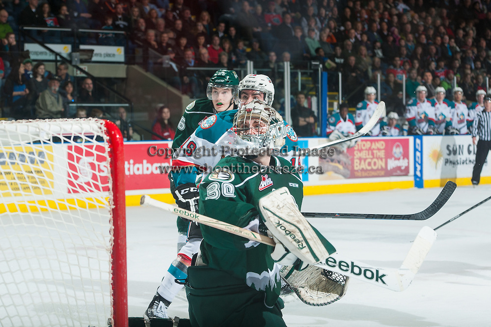 KELOWNA, CANADA - JANUARY 23: Austin Lotz #30 of Everett Silvertips watches the deflected puck after making a save against the Kelowna Rockets on January 23, 2015 at Prospera Place in Kelowna, British Columbia, Canada.  (Photo by Marissa Baecker/Shoot the Breeze)  *** Local Caption *** Austin Lotz;