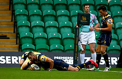 Matt Cox of Worcester Warriors scores a try - Mandatory by-line: Robbie Stephenson/JMP - 28/07/2017 - RUGBY - Franklin's Gardens - Northampton, England - Sale Sharks v Worcester Warriors - Singha Premiership Rugby 7s