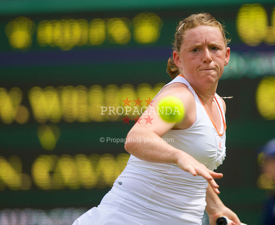 LONDON, ENGLAND - Tuesday, June 24, 2008: Naomi Cavaday (GBR) in action during her first round match on day two of the Wimbledon Lawn Tennis Championships at the All England Lawn Tennis and Croquet Club. (Photo by David Rawcliffe/Propaganda)
