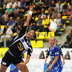 08.10.2011, BSFZ Suedstadt, Maria Enzersdorf, AUT, EHF Champions League, Hypo Niederoesterreich vs Randers HK, im Bild Ana Paula Rodrigues, (Hypo Niederoesterreich, #9) , EXPA Pictures © 2011, PhotoCredit: EXPA/ T. Haumer