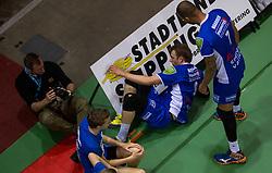 17-04-2016 NED: Play off finale Abiant Lycurgus - Seesing Personeel Orion, Groningen<br /> Abiant Lycurgus is door het oog van de naald gekropen tijdens het eerste finaleduel om het landskampioenschap. De Groningers keken in een volgepakt MartiniPlaza tegen een 0-2 achterstand aan tegen Seesing Personeel Orion, maar mede dankzij invaller Gino Naarden kwam Lycurgus langszij en pakte het de wedstrijd met 3-2 / Gino Naarden #7 of Lycurgus, Jay Blankenau #9 of Lycurgus, fotograaf media