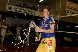 22-04-2003 VOLLEYBAL: PIET ZOOMERS DYNAMO - OMNIWORLD: APELDOORN<br /> Finale play-offs Piet Zoomers wint het landkampioenschap / Bas van de Goor <br /> ©2003-Ronald Hoogendoorn