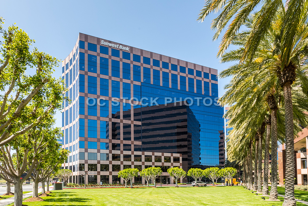 Sunwest Bank Building At Irvine Business Complex