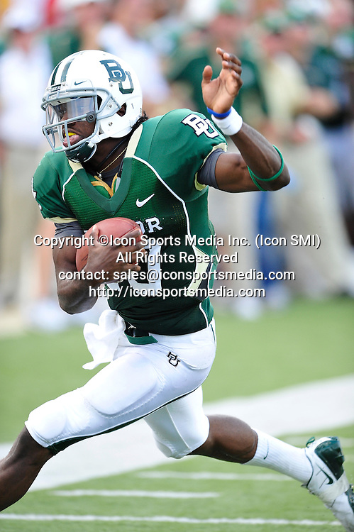 September 19th 2009:  <br /> Baylor QB Robert Griffin III (10)<br /> in action during a NCAA Football game between the Baylor Bears and the University of Connecticut at Floyd Casey  Stadium in Waco, TX.  <br /> Baylor loses to UConn 30-22