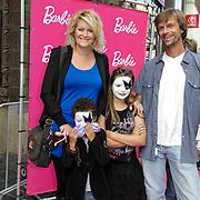 NLD/Amsterdam/20120909- Filmpremiere Barbie, Erika Karst met partner en kinderen