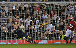 Manchester, England - Thursday, April 26, 2007: Liverpool's goalkeeper David Roberts can't prevent Chirs Fagan coring his side's second penalty of the shoot-out during the FA Youth Cup Final 2nd Leg at Old Trafford. (Pic by David Rawcliffe/Propaganda)