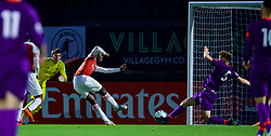 LONDON, ENGLAND - Friday, August 17, 2018: Arsenal's Eddie Nketiah scores the second goal during the Under-23 FA Premier League 2 Division 1 match between Arsenal FC and Liverpool FC at Meadow Park. (Pic by David Rawcliffe/Propaganda)