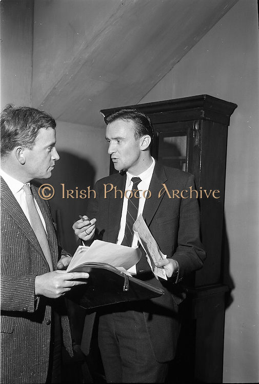 """20/09/1963<br /> 09/20/1963<br /> 20 September 1963<br /> Dublin Drama Festival production of """"Roots"""" at Damer Theatre for Gael Linn.<br /> """"Roots"""" by Arnold Wesker of London translated into Irish by Padraic Ó Gaora was the first production of a Wesker play in Ireland, produced by Seamus Pair Ceir, with sets by Noel O'Brien. Picture shows Producer Seamus PairCeir with Noel O'Brien who designed the sets and was playing in """"The Big Finish"""" at the Irish Life Theatre during the Festival"""