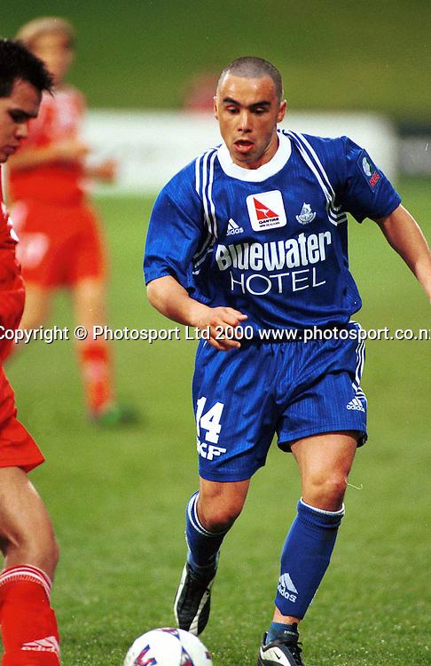 Jimmy Cudd (Napier) in action - Napier City Rovers v University-Mt Wellington at North Harbour Stadium, 3 September 2000. Qantas National Club Championships. Photo: Sandra Teddy/Photosport.co.nz