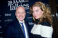 AMSTERDAM - Bij brasserie van Dam hield het glamour magazine Talkies hun 20 jarig bestaan. Dit werd gevierd met de nieuwe cover van het magazine. Met hier op de foto  Mart Visser en Linda Jochems (Business Manager at Mart Visser Haute Couture). FOTO LEVIN DEN BOER - PERSFOTO.NU