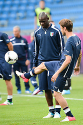 12.06.2012, Staedtisches Stadion, Posen, POL, UEFA EURO 2012, Italien, Training, im Bild  MARIO BALOTELLI during the during EURO 2012 Trainingssession of Italy national team, at the SMunicipal Stadium in Poznan, Poland on 2012/06/13