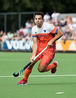 WAALWIJK -  RABO SUPER SERIE. Valentin Verga (Ned) tijdens  de hockeyinterland heren  Nederland-India,  ter voorbereiding van het EK,  dat vrijdag 18/8 begint.  COPYRIGHT KOEN SUYK