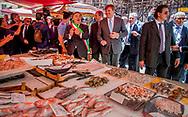 21- 6-2017 PALERMO - Koning Willem-Alexander en Koningin Maxima wandeling richting de markt, Mercato del Capo <br />   . 4 daags staatsbezoek van Koning Willem-Alexander en koningin Maxima aan de Republiek Italië en de Heilige Stoel in Vaticaanstad . COPYRIGHT ROBIN UTRECHT <br /> <br /> 21- 6-2017 PALERMO - King Willem-Alexander and Queen Maxima walk towards the market, Mercato del Capo<br />  . 4-day state visit of King Willem-Alexander and Queen Maxima to the Republic of Italy and the Holy See in Vatican City. COPYRIGHT ROBIN UTRECHT
