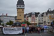 Frankfurt am Main | 05 July 2014<br /> <br /> Am Samstag (05.07.2014) demonstrierten in Frankfurt am Main etwa 250 Menschen aus der linksradikalen Szene gegen die deutsche Fl&uuml;chtlingspolitik, gegen Abschiebungen und f&uuml;r das Bleiberecht gefl&uuml;chteter Menschen in Deutschland und anderswo.<br /> Hier: Die Demo an der Bockenheimer Warte, Transparent &quot;Rassismus t&ouml;tet&quot;.<br /> <br /> [Foto honorarpflichtig, kein Model Release]<br /> <br /> &copy;peter-juelich.com