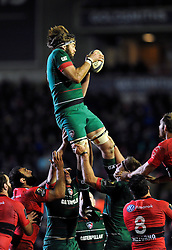 Geoff Parling of Leicester Tigers wins the ball at a lineout - Photo mandatory by-line: Patrick Khachfe/JMP - Mobile: 07966 386802 07/12/2014 - SPORT - RUGBY UNION - Leicester - Welford Road - Leicester Tigers v Toulon - European Rugby Champions Cup