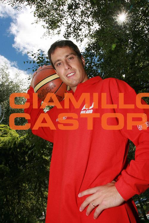 DESCRIZIONE : Bormio Lega A1 2008-09 Massimo Bulleri alla Armani Jeans Milano <br /> GIOCATORE : Massimo Bulleri<br /> SQUADRA : Armani Jeans Milano <br /> EVENTO : Campionato Lega A1 2008-2009 <br /> GARA : <br /> DATA : 04/08/2008 <br /> CATEGORIA : Ritratto<br /> SPORT : Pallacanestro <br /> AUTORE : Agenzia Ciamillo-Castoria/S.Ceretti <br /> Galleria : Lega Basket A1 2008-2009 <br /> Fotonotizia : Bormio Campionato Italiano Lega A1 2008-2009  Massimo Bulleri alla Armani Jeans Milano <br /> Predefinita :