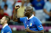 Football: EURO 2012, Semi Final, Gemany - Italy, Warsaw, 28.06.2012..Mario Balotelli celebrates scoring for Italy..© pixathlon