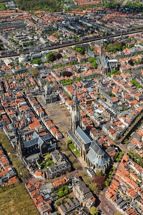 Nederland, Zuid-Holland, Delft, 09-05-2013; <br /> Historisch centrum van Delft zicht op de Markt met terrassen, de Nieuwe Kerk rechtsbeneden, haaks erop de Maria van Jessekerk, en het stadhuis er tegenover, linksboven de Oude Kerk. <br /> Historic center of Delft with terraces overlooking the Market, the New Church (r ) and Town Hall (l ).<br /> luchtfoto (toeslag op standard tarieven)<br /> aerial photo (additional fee required)<br /> copyright foto/photo Siebe Swart<br /> luchtfoto (toeslag op standard tarieven)<br /> aerial photo (additional fee required)<br /> copyright foto/photo Siebe Swart