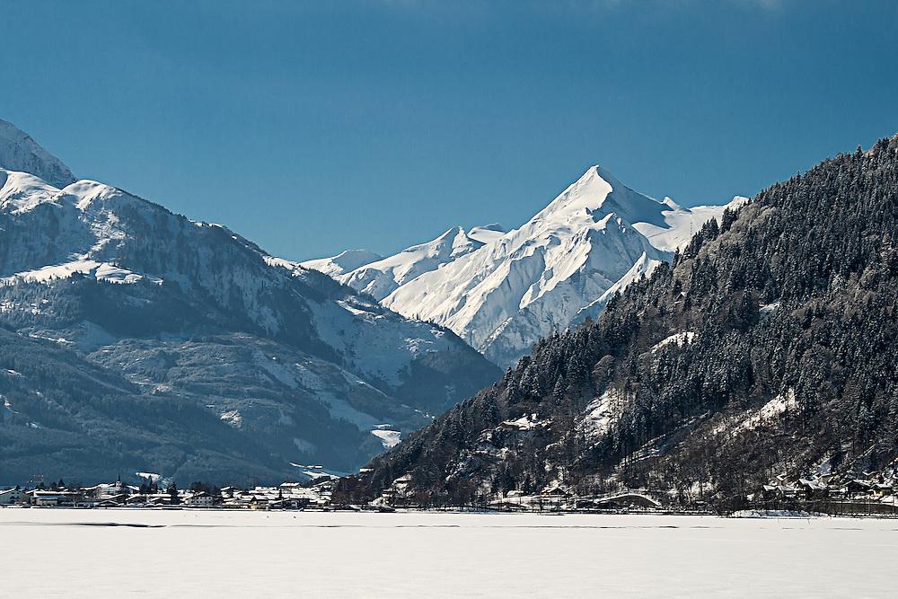 A view over the frozen Zeller See towards the Kitzsteinhorn Glacier
