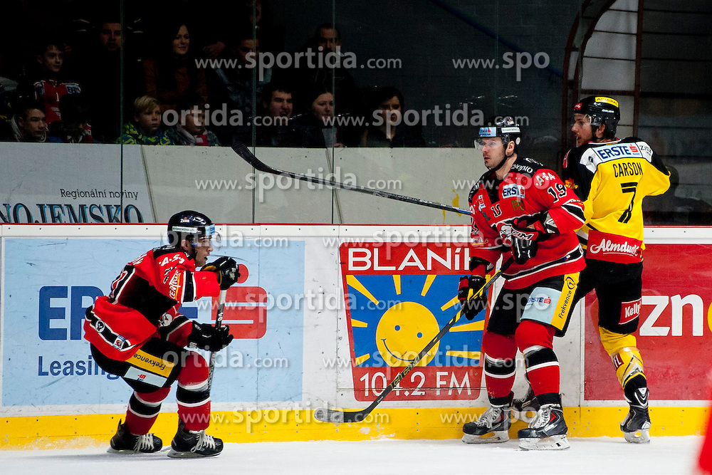 18.01.2015, Ice Rink, Znojmo, CZE, EBEL, HC Orli Znojmo vs UPC Vienna Capitals, 40. Runde, im Bild v.l. Martin Podesva (HC Orli Znojmo) Roman Tomas (HC Orli Znojmo) Bret Carson (UPC Vienna Capitals) // during the Erste Bank Icehockey League 40th round match between HC Orli Znojmo and UPC Vienna Capitals at the Ice Rink in Znojmo, Czech Republic on 2015/01/18. EXPA Pictures © 2015, PhotoCredit: EXPA/ Rostislav Pfeffer