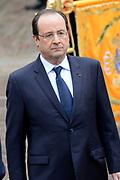 """François Hollande brengt een officieel bezoek aan Nederland. Hollande is in Nederland om de handelsbetrekkingen aan te halen.<br /> <br /> François Hollande brings an official visit to the Netherlands. Hollande is in the Netherlands for """"better""""Trading relations<br /> <br /> Op de foto/ On the photo:  Welkomstceremonie met de Franse president François Hollande <br /> <br /> Welkomstceremonie with French President François Hollande"""