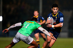 Bryce Heem of Worcester Warriors takes on Nathan Earle of Harlequins - Mandatory by-line: Robbie Stephenson/JMP - 23/11/2018 - RUGBY - Sixways Stadium - Worcester, England - Worcester Warriors v Harlequins - Gallagher Premiership Rugby