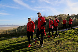 DUBLIN, REPUBLIC OF IRELAND - Friday, March 24, 2017: Wales' Gareth Bale and goalkeeper Wayne Hennessey during a pre-match team walk around Portmarnock Hotel And Golf Links ahead of the 2018 FIFA World Cup Qualifying Group D match against Republic of Ireland. (Pic by David Rawcliffe/Propaganda)