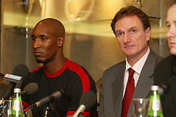LIVERPOOL, ENGLAND - Monday, December 24, 2001: An early Christmas present for Reds fans as Liverpool unveil French striker Nicolas Anelka at a press conference with caretaker manager Phil Thompson during a press conference at Anfield. (Pic by David Rawcliffe/Propaganda)