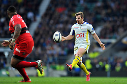 Camille Lopez of Clermont Auvergne puts boot to ball - Photo mandatory by-line: Patrick Khachfe/JMP - Mobile: 07966 386802 02/05/2015 - SPORT - RUGBY UNION - London - Twickenham Stadium - ASM Clermont Auvergne v RC Toulon - European Rugby Champions Cup Final