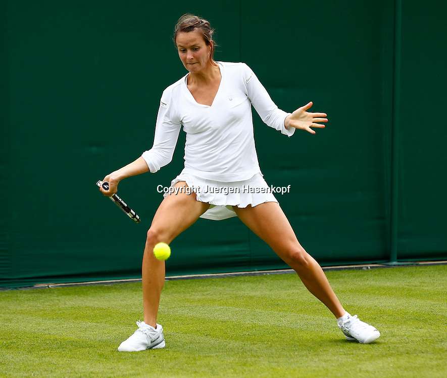 Wimbledon Championships 2013, AELTC,London,<br /> ITF Grand Slam Tennis Tournament, Tatjana Maria(GER),Aktion,Einzelbild,<br /> Ganzkoerper,Querformat,