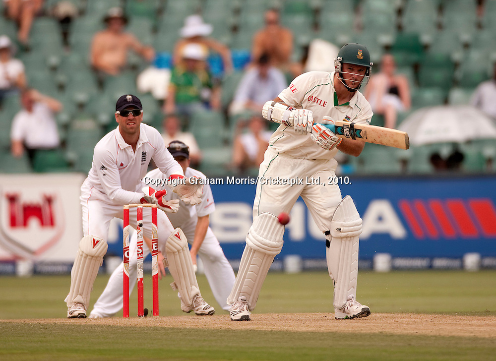 Graeme Smith off Graeme Swann during the fourth and final Test Match between South Africa and England at the Wanderers Stadium, Johannesburg. Photograph © Graham Morris/cricketpix.com (Tel: +44 (0)20 8969 4192; Email: sales@cricketpix.com)
