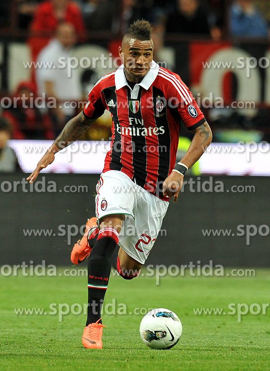 02.05.2012, Stadion Giuseppe Meazza, Mailand, ITA, Serie A, AC Mailand vs Atalanta Bergamo, 36. Spieltag, im Bild Kevin Prince BOATENG (Milan) // during the football match of Italian 'Serie A' league, 36th round, between AC Mailand and Atalanta Bergamo at Stadium Giuseppe Meazza, Milan, Italy on 2012/05/02. EXPA Pictures © 2012, PhotoCredit: EXPA/ Insidefoto/ Alessandro Sabattini..***** ATTENTION - for AUT, SLO, CRO, SRB, SUI and SWE only *****