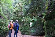 Wanderer Drachenschlucht, Eisenach, Thüringen, Deutschland   walkers Dragon Gorge, Eisenach, Thuringia, Germany