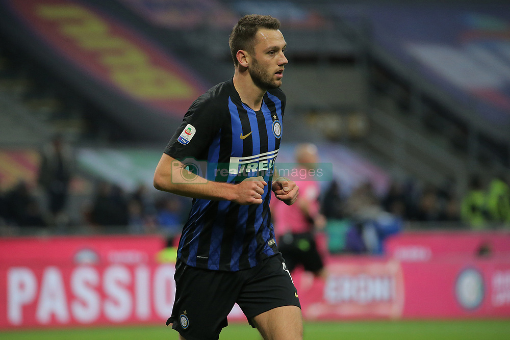 January 19, 2019 - Milan, Milan, Italy - Stefan De Vrij #6 of FC Internazionale Milano during the serie A match between FC Internazionale and US Sassuolo at Stadio Giuseppe Meazza on January 19, 2019 in Milan, Italy. (Credit Image: © Giuseppe Cottini/NurPhoto via ZUMA Press)